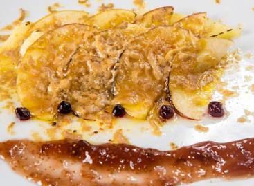 Foie gras com maçã caramelizada, purê de batatas e geleia de figo