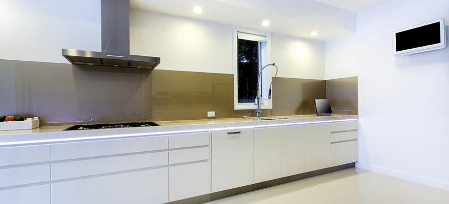 #474215 Soluções para organizar os armários da cozinha e o guardaroupaBH Mulher 885x402 px Armario De Cozinha Em 2019 #3020 imagens