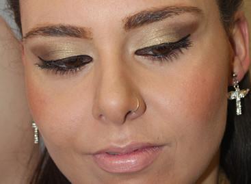 Strobing: técnica vira tendência na maquiagem