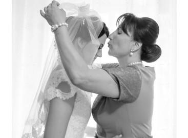 Mãe dos noivos: as 7 missões antes e durante o grande dia