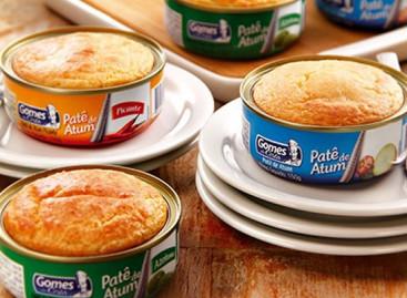 Faça uma torta direto na lata de atum em 10 minutos
