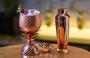 Receita: drink refrescante de cranberry, hibisco e manjericão