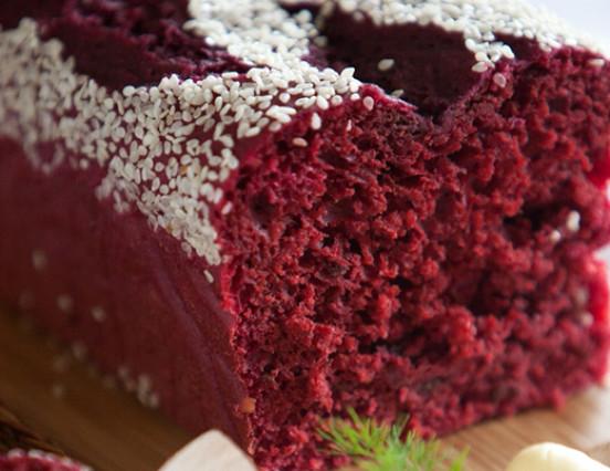 Receita: Bolo de Beterraba sem Açúcar – Por Chef Henrique Burd