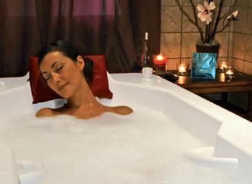 Banho de leite ajuda na hidratação da pele e relaxamento do corpo