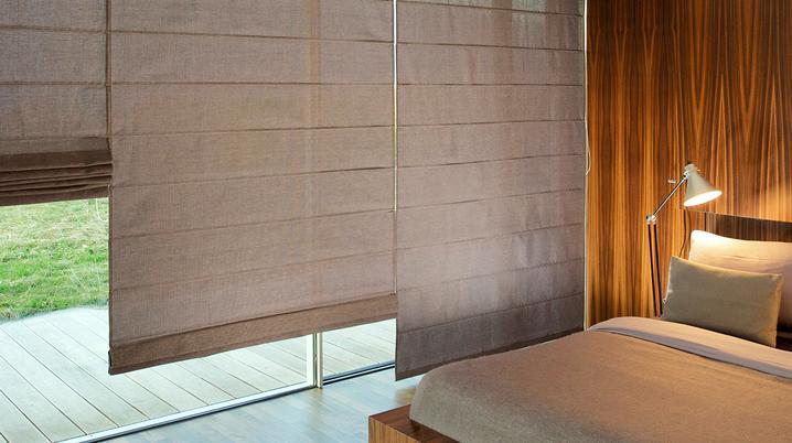 cortinas e persianas nas cores nude e madeira-bambu decoração bh mulher