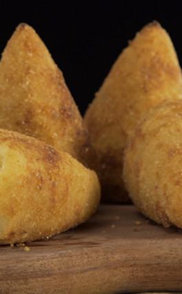 RECEITA – Coxinha com massa de batata doce