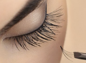 Alongamento de cílios pode causar infecção nas pálpebras e terçol