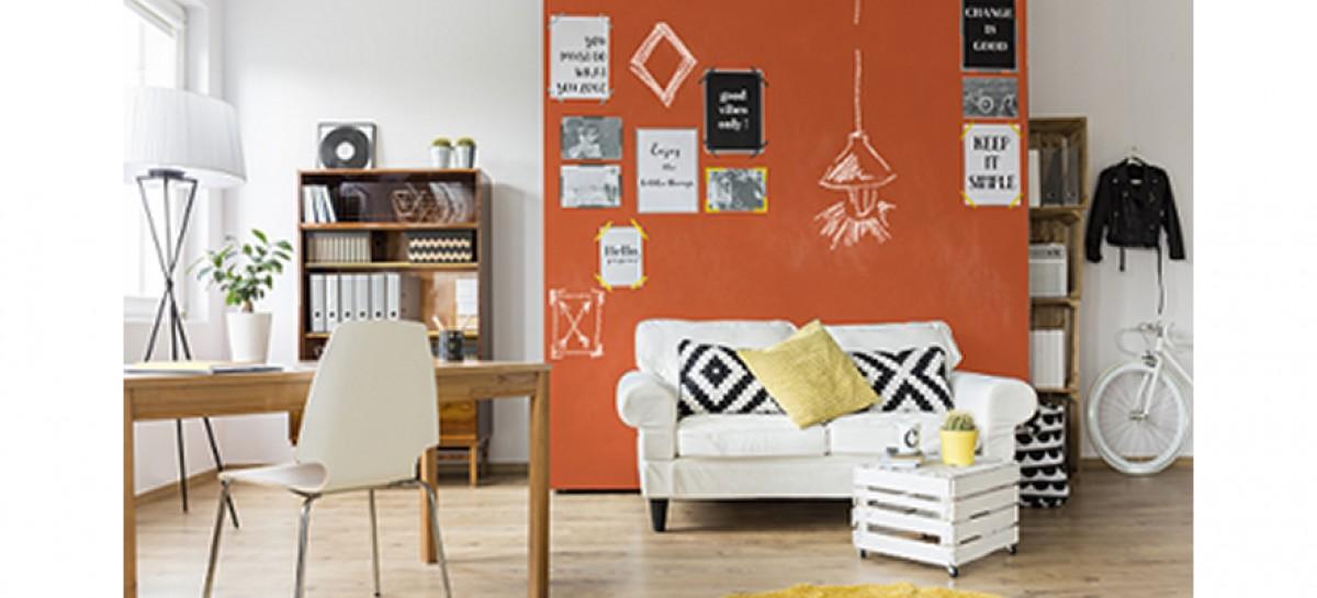 Efeito lousa colorido para uma parede descolada